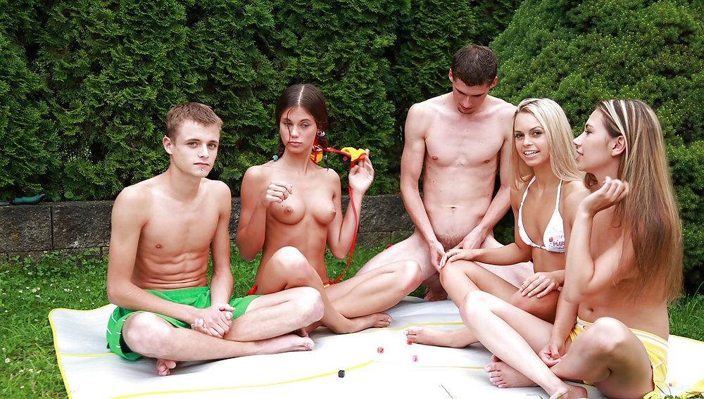 Голая Молодежь Онлайн