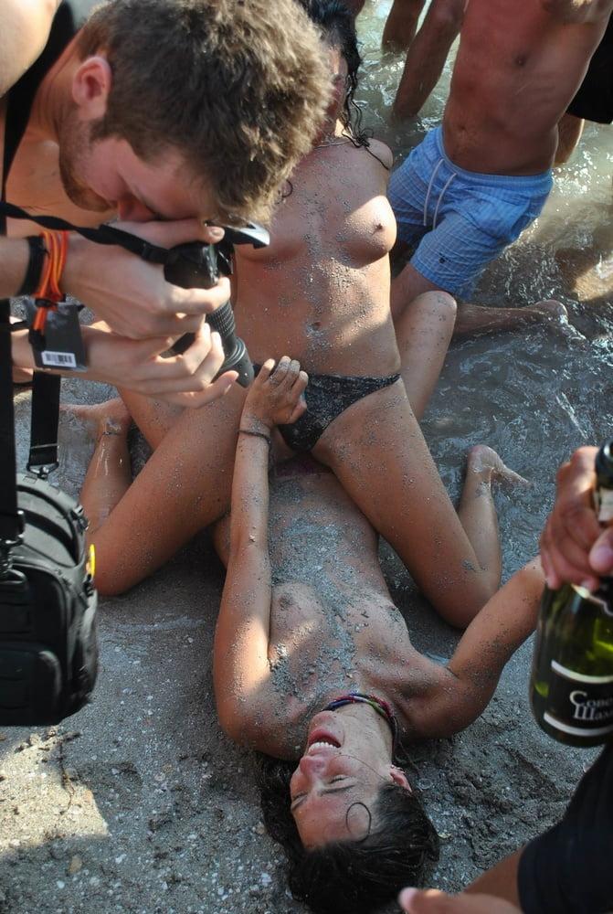 Пьяные Нудисты
