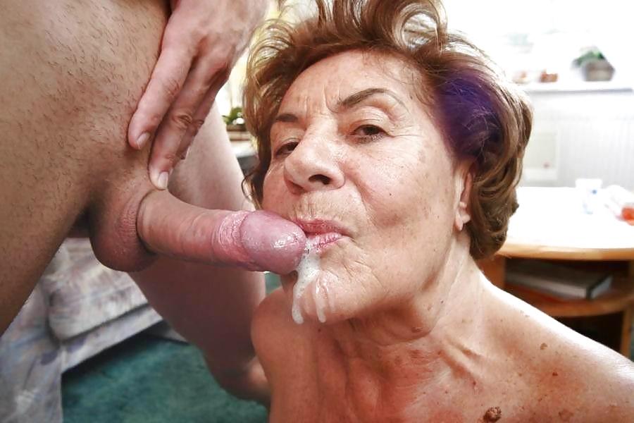 Порно Бабушки Глотают Сперму