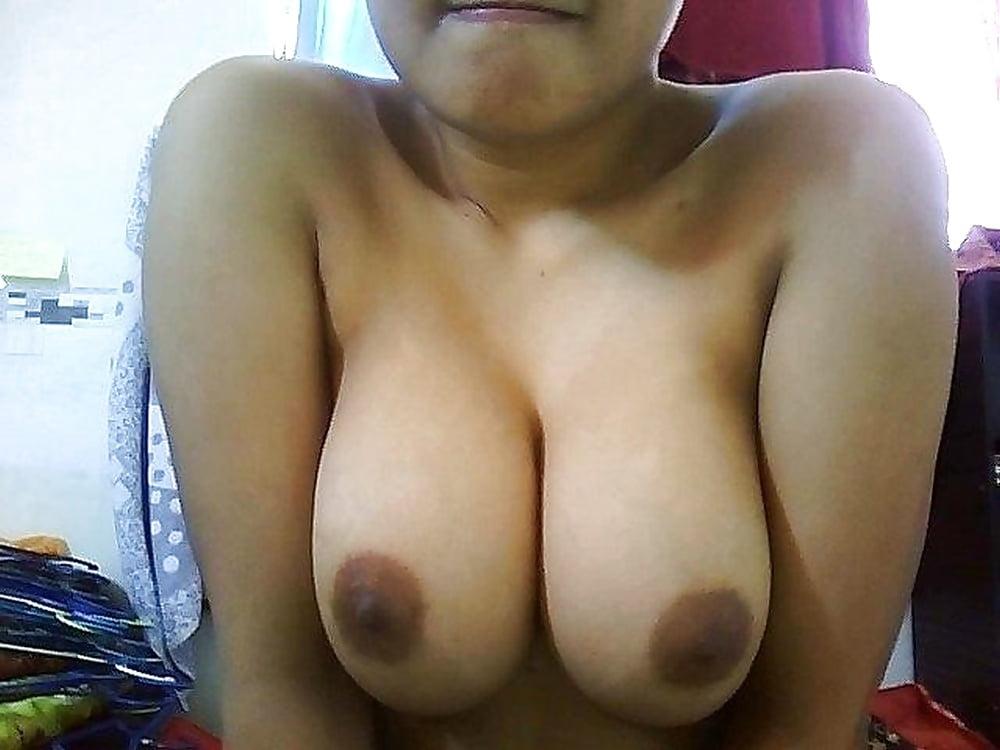 Caught hidden camera hot sexy body malay girl