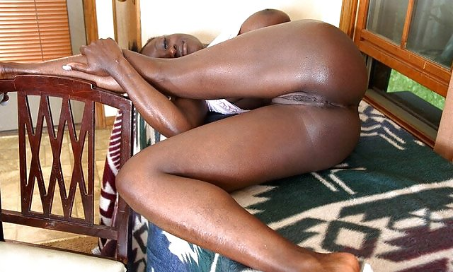 African Girl With Shaved Pussy Wants Anal - Jack Off To -6295