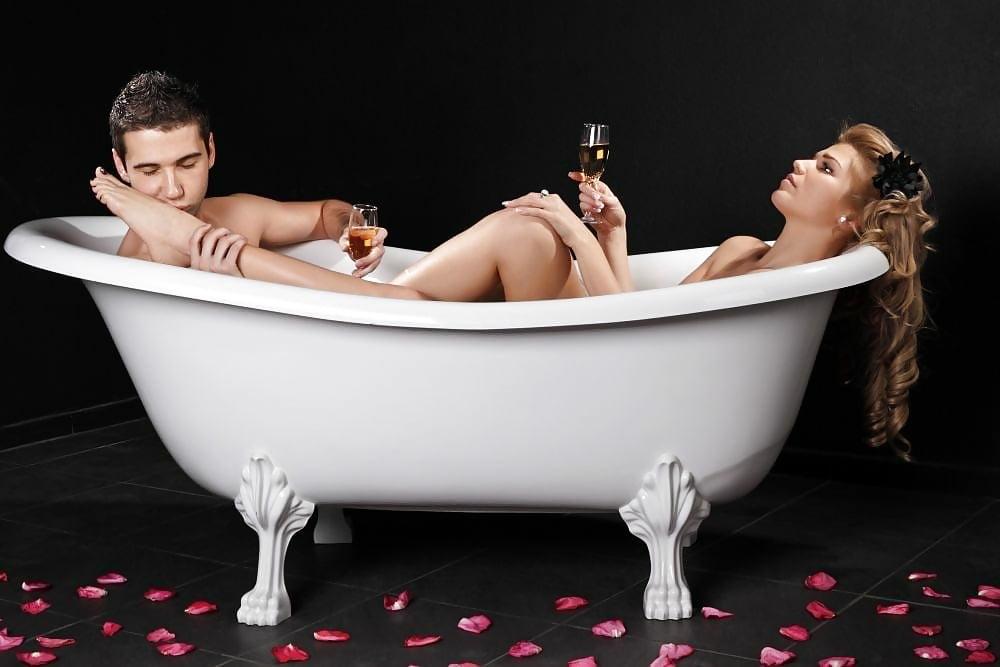 Секс студентов в ванной рыжая, смотреть порно без закачки