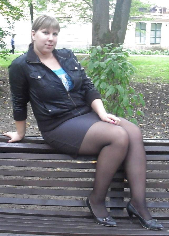 Толстая жена в колготках — pic 10