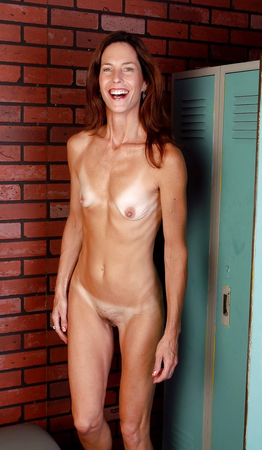 Moms flat chest, naked pictures billy ray cyrus