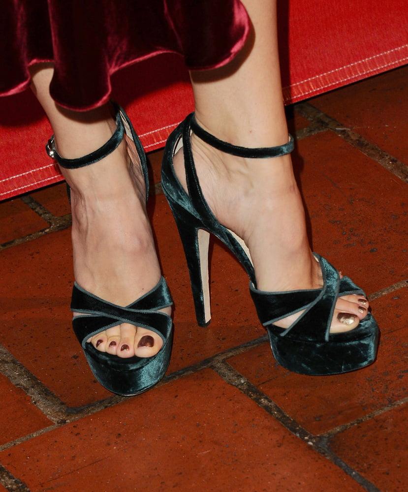 Jennifer Garner Footjob | www.freee-porns.com
