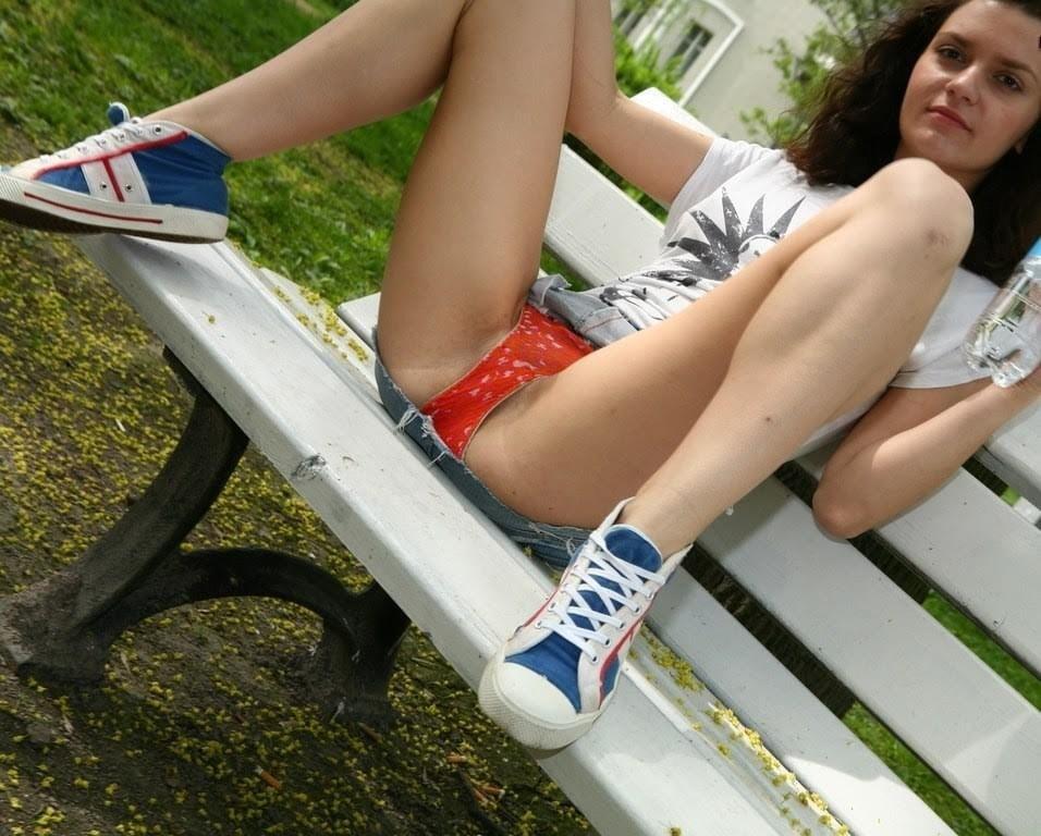 Innocent upskirt panty