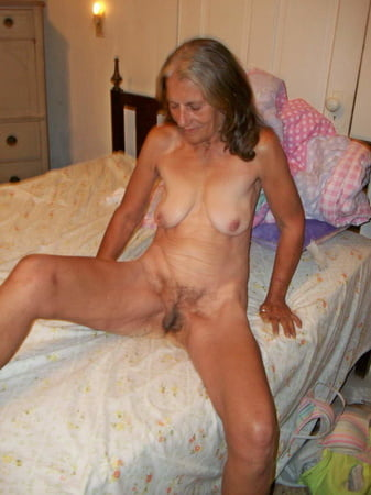 Amateur moms very horny