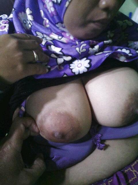 Arab Hijab Boobs Mater Caught On Homemade Hidden Httpcharmoutah 1