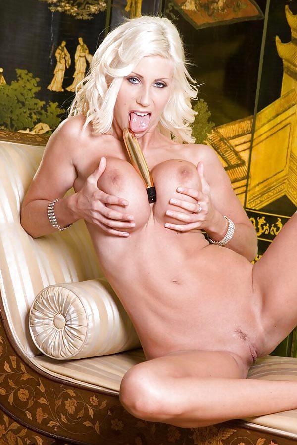 шведская порно актриса блондинка сидни при помощи
