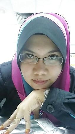 favourite malay tudung milf