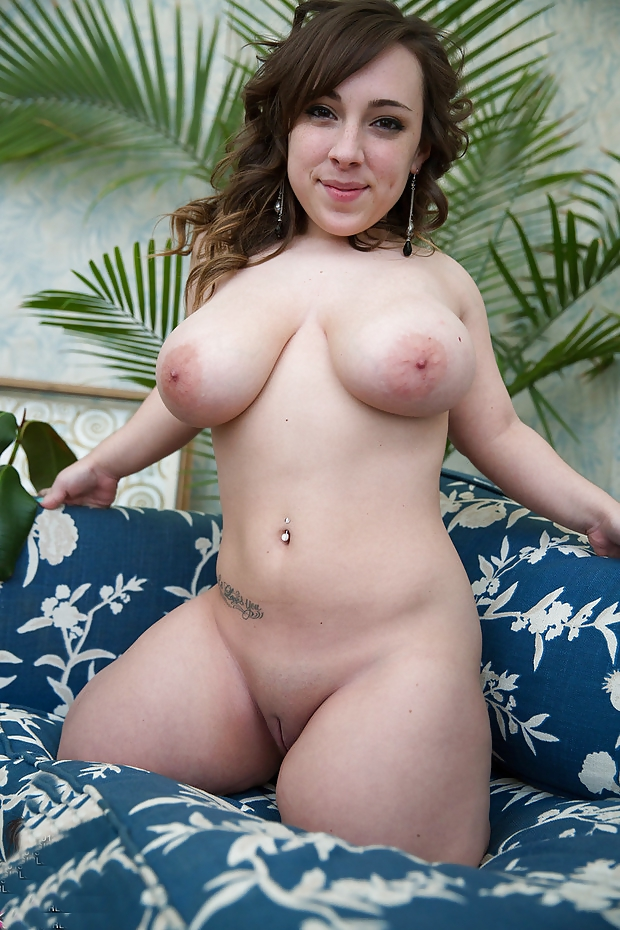 Nude pregnant young girls