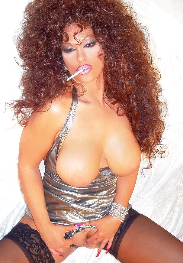 Chubby naked latina