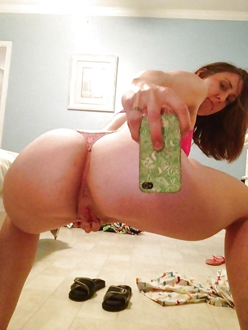 Taking a selfie while being fucked