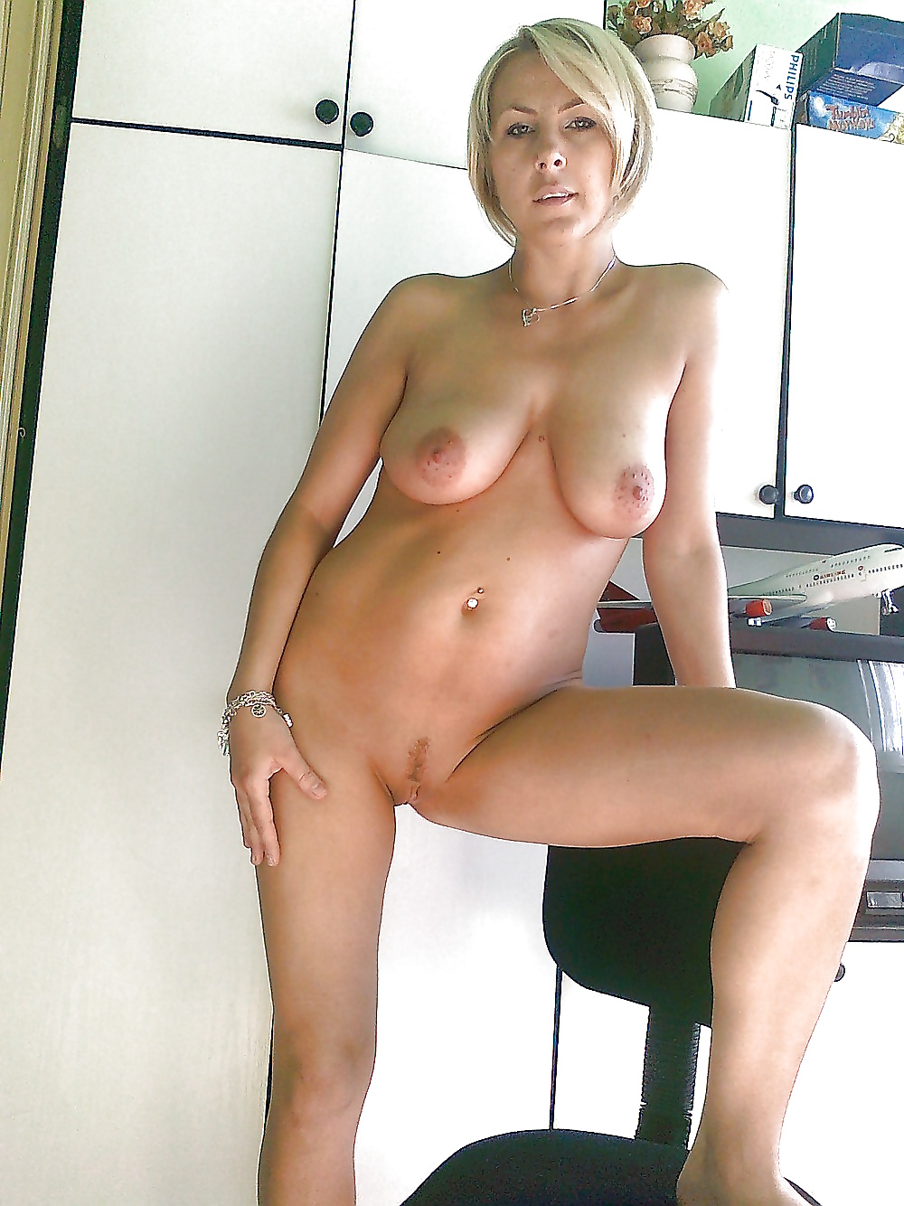 Naked pics of my aunt