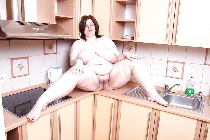 Порно толстая баба на кухне