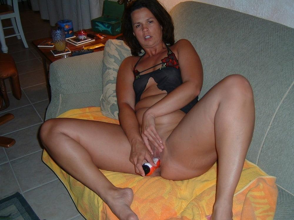 Lesbian milfs seducing girls