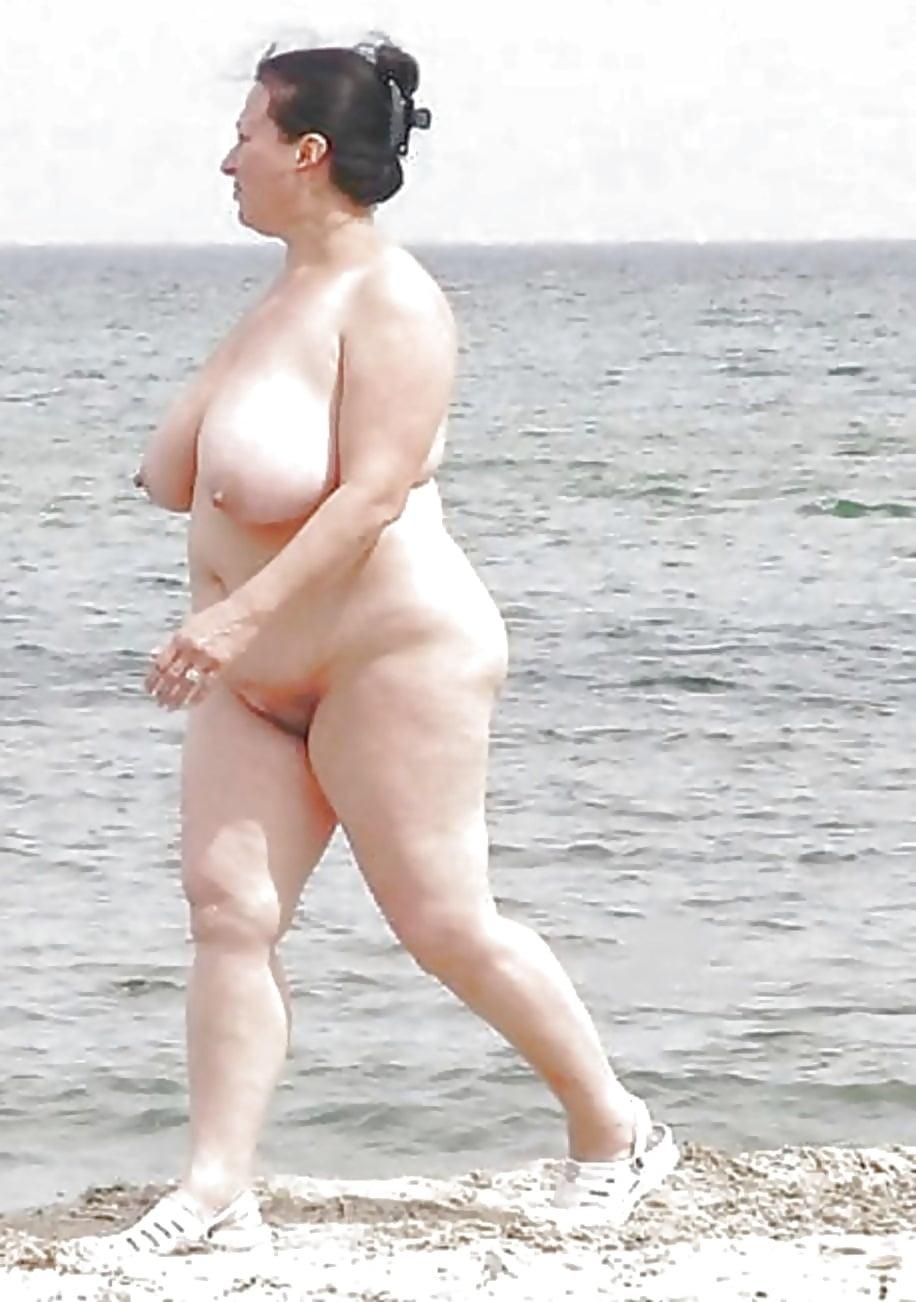 фото толстых шлюх на пляже