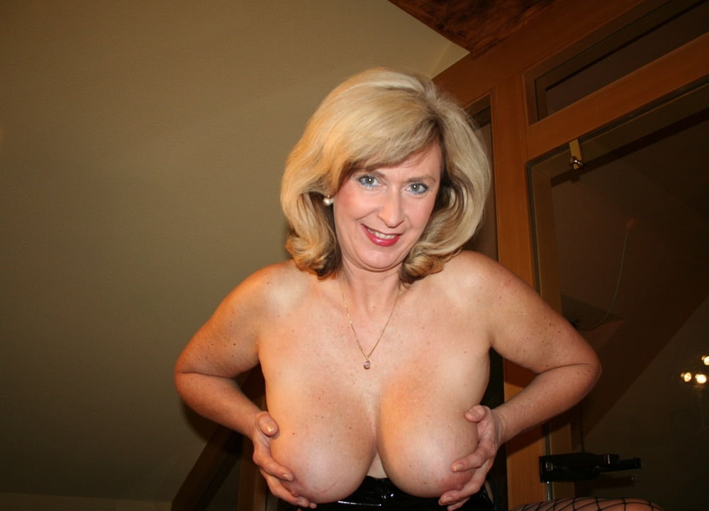 Nudes girls blonde busty mature naturally blowjob