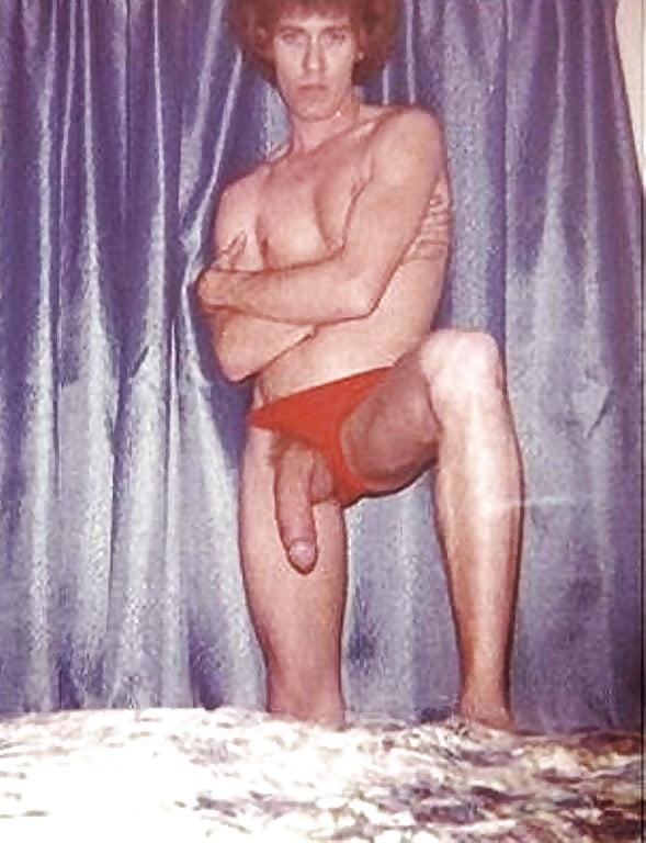 How big was john holmes