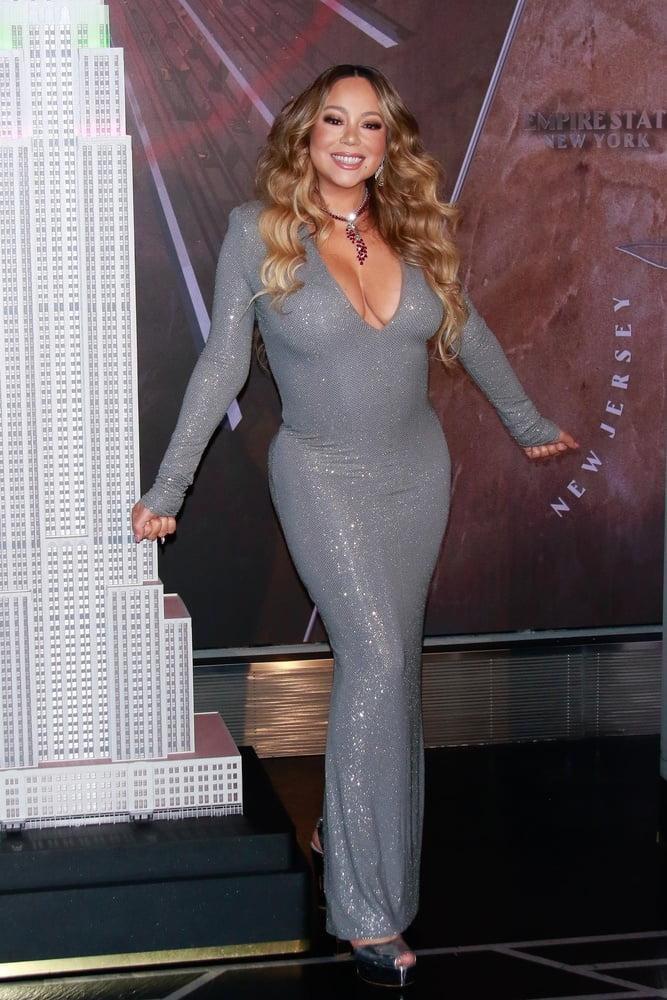 Mariah carey looking good in black dress