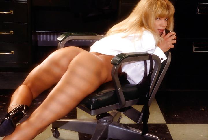 Donna D Errico Vs Big Black Cook Italian Sex Photo