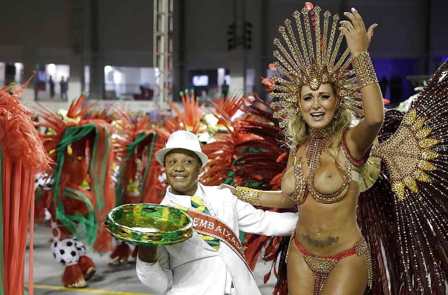 Порно видео карнавал в бразилии
