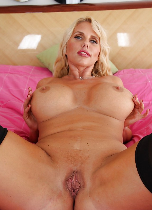 Blonde milf with big pussy, young ugly amateur tube