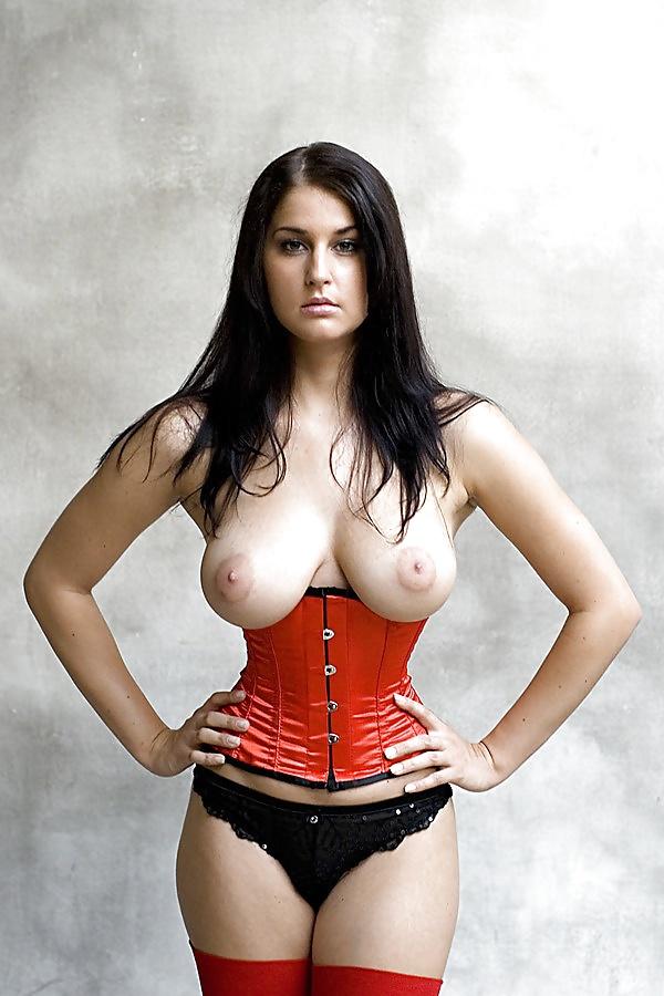 big-tits-small-waist-video-bella-twins-naked-boob