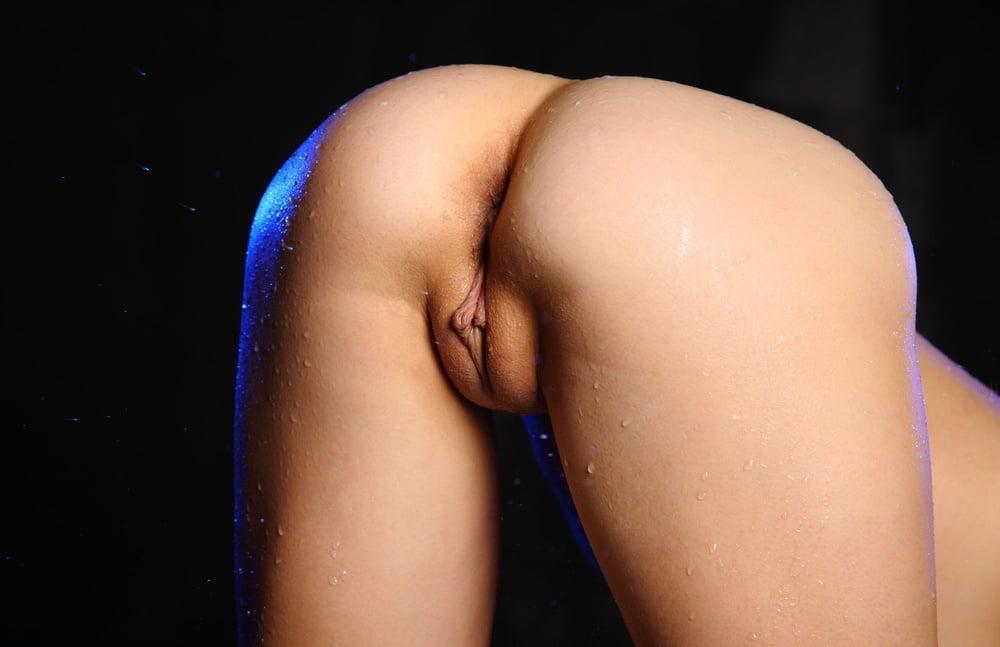 samie-krasivie-chistie-golie-zhenskie-popki-davno-ne-konchal-porno-video