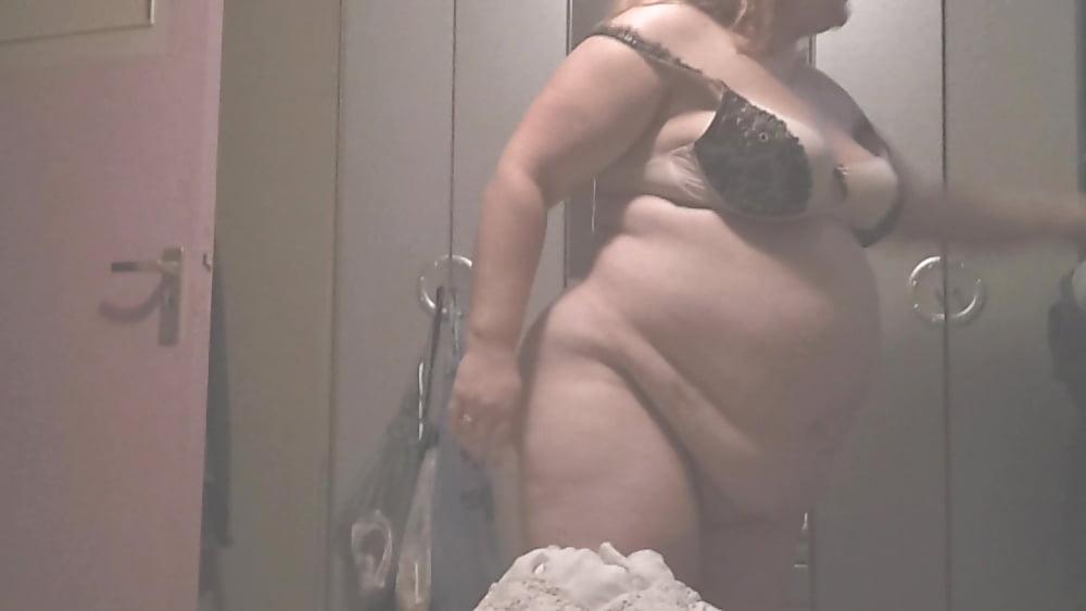 Colasamte recommend Tia carrere lingerie