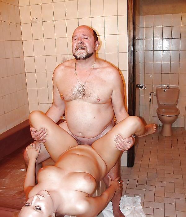 порно секс в бане туалете