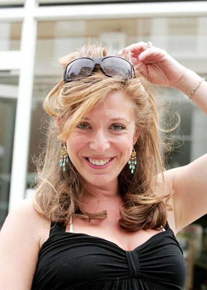 Tracy-Ann Oberman - uber MILF - 15 Pics