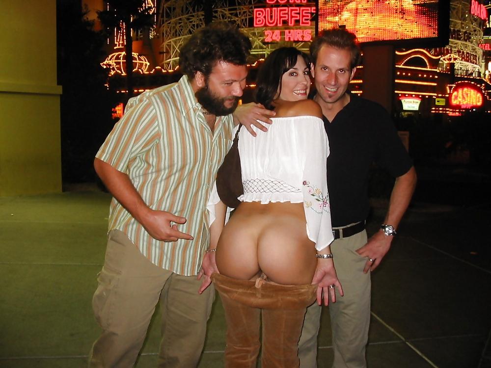 Nude Girls In Vegas