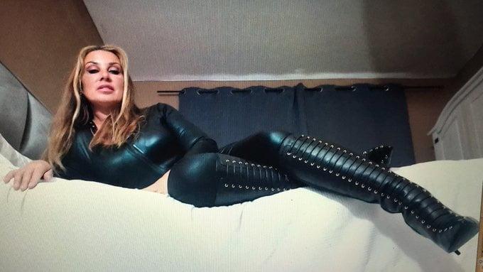 Lady Nivia Geldlady - 16 Pics