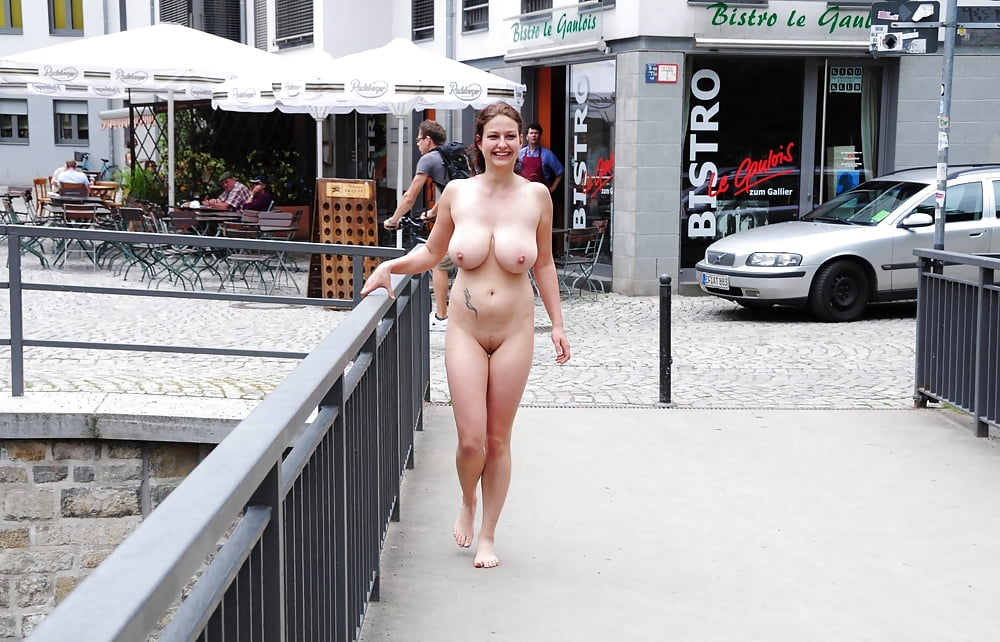 Miley nude in public, beautiful nude women at the beach