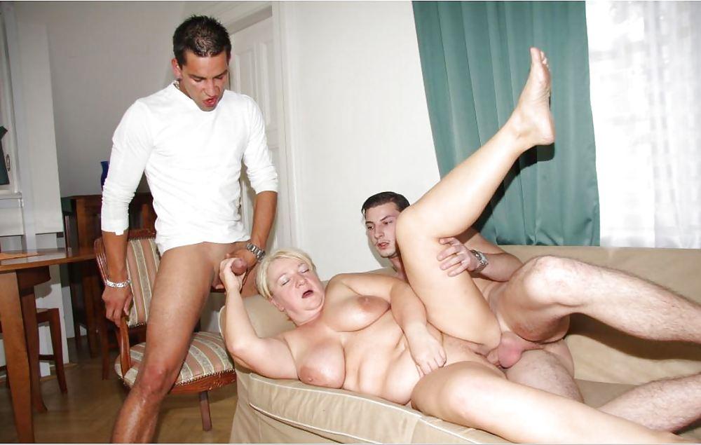anus-gruppovuha-porno-prinudili-starushku-k-seksu-goll