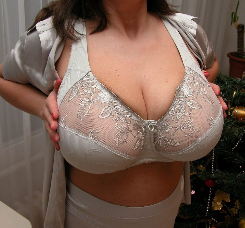 Mature Big Tits With Big Areoles In White Bra Close