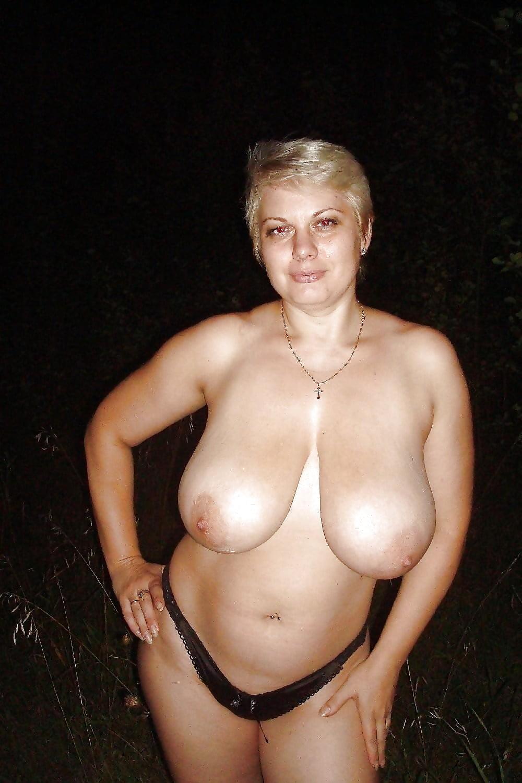 остается одно, фото голых сисек зрелых женщин нас