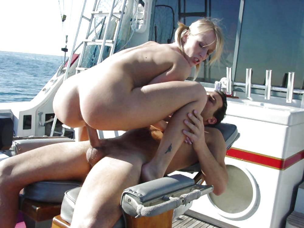 Секс в каюте видео, эротика женщина форме