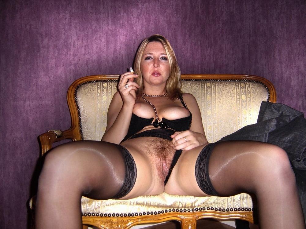 проститутка в колготках раздвинула ноги фото трихомонады снова