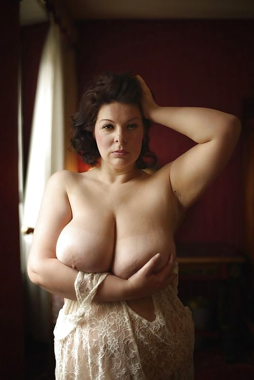 hardcore-plus-size-woman-nude-self-pictures-sexy-outfit-video