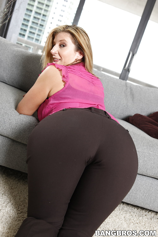 Big boody sarah jay threesome - 2 part 10