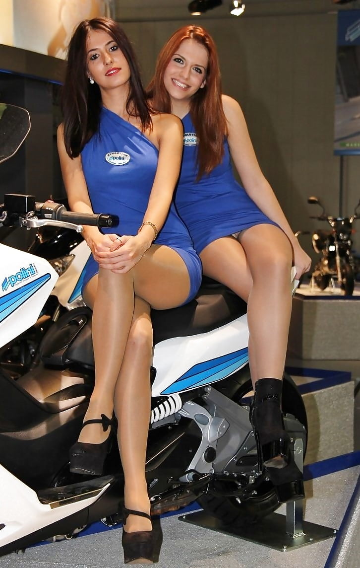 Motorcycle riders wear pantyhose 7