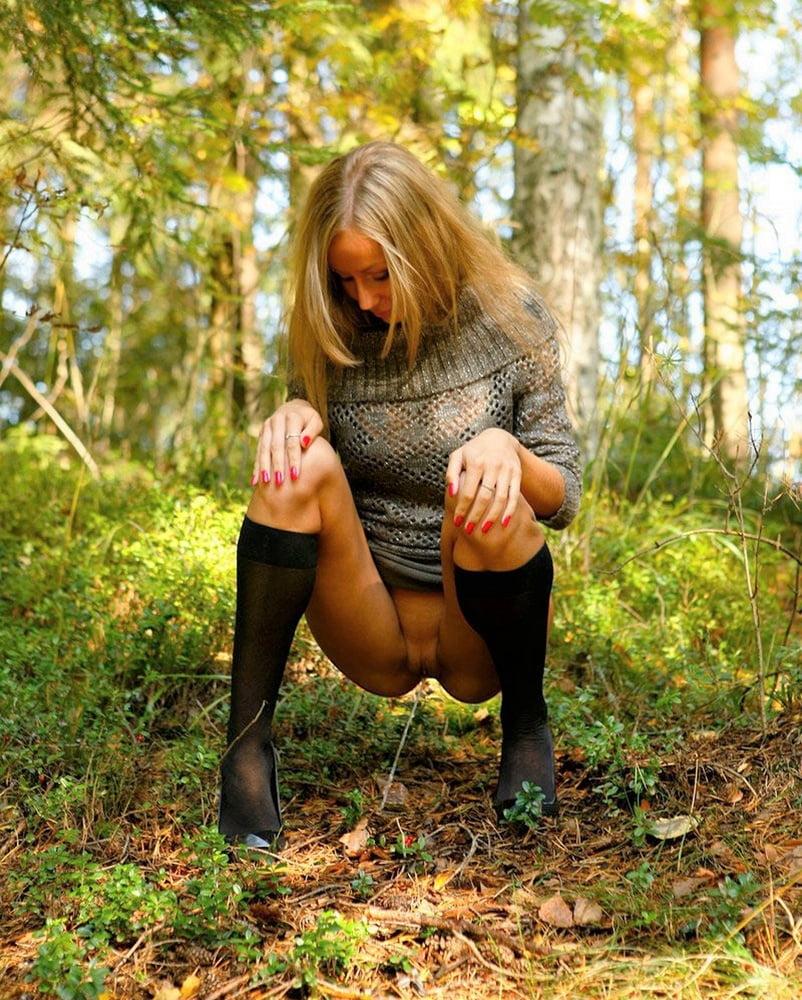 v-lesu-bez-trusikov-smotret-kamshoti-polnie-rti-spermi