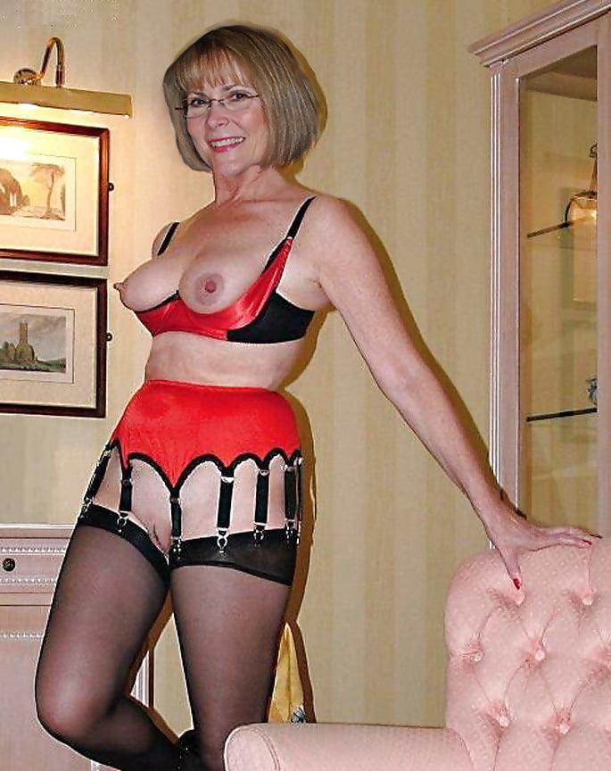 free-pics-of-mature-lingerie