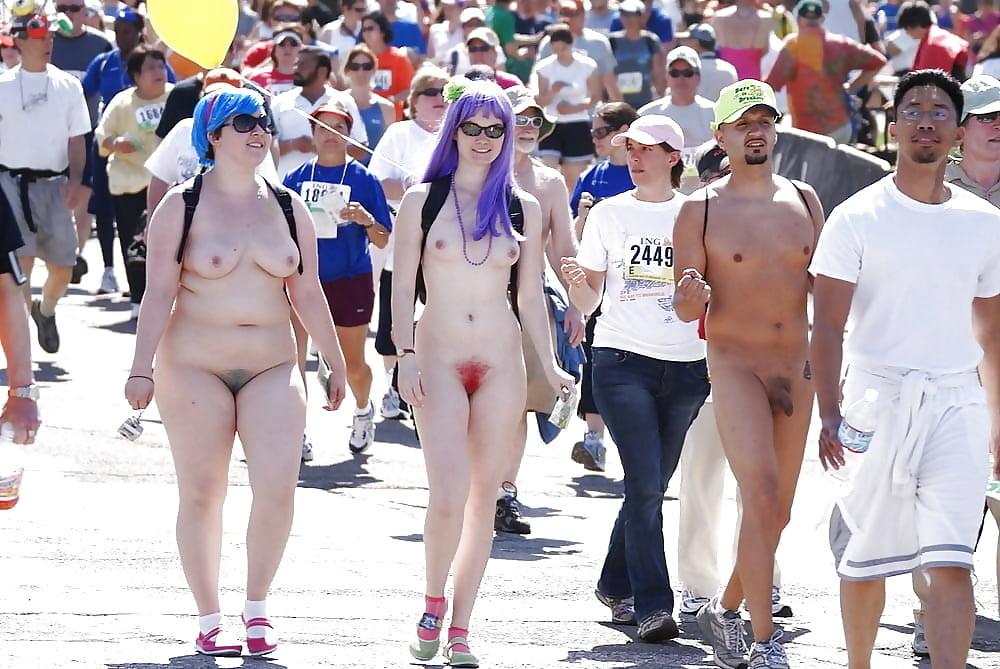 просто ползал голые девушки на параде любви видео отметить, что артур