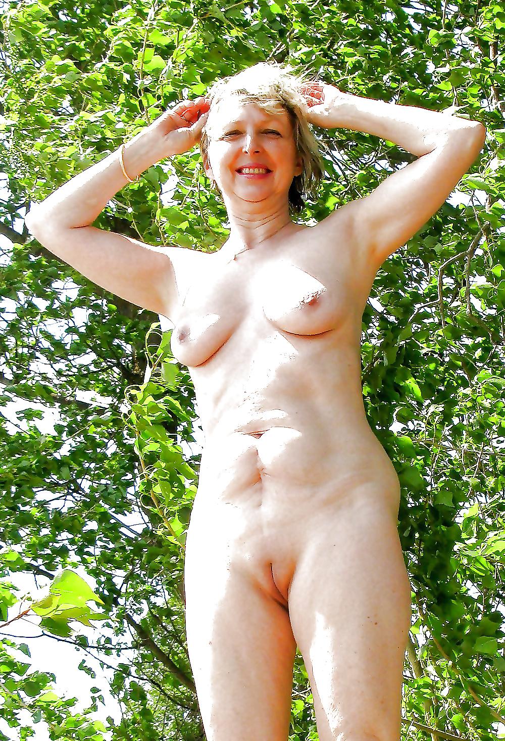 Amateur mature outdoor sex