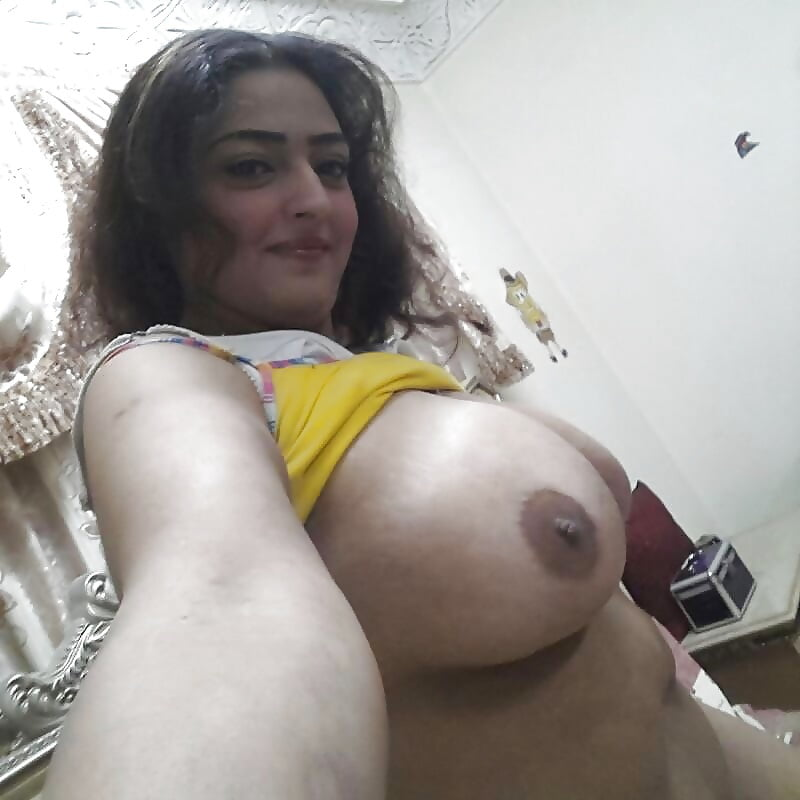 Arab lady showing off her boobs pussy and ass on webcam on gotporn