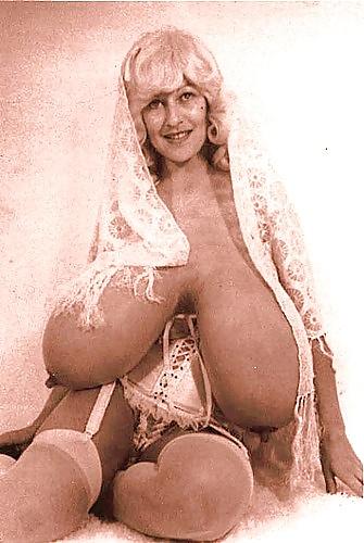 unreal boobs small Tina