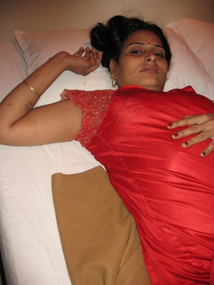 hot-indian-girls-masterbating-pics-pictures-holly